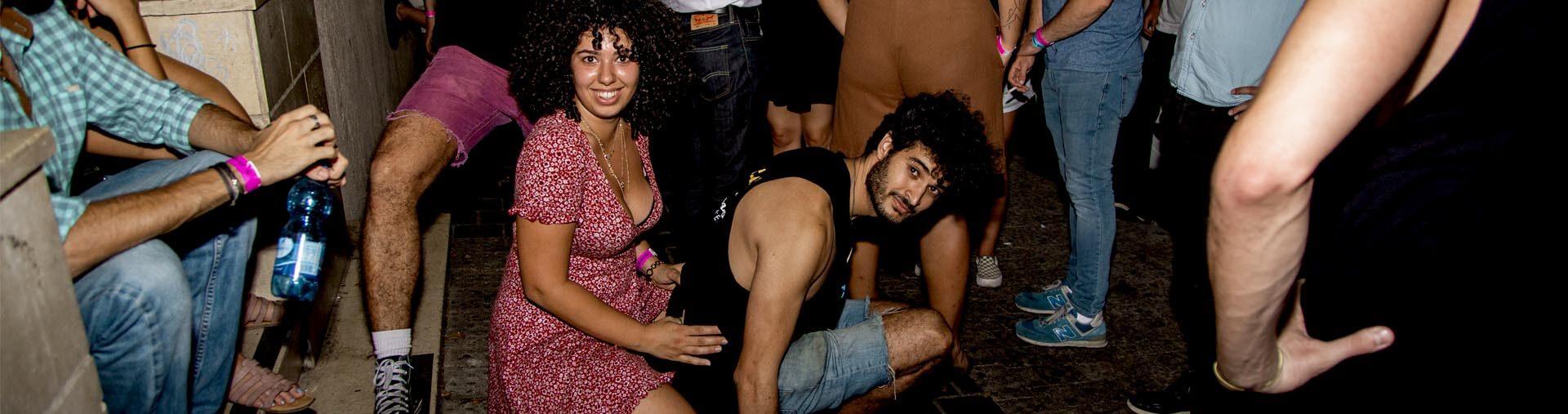 pub crawl night in tel aviv