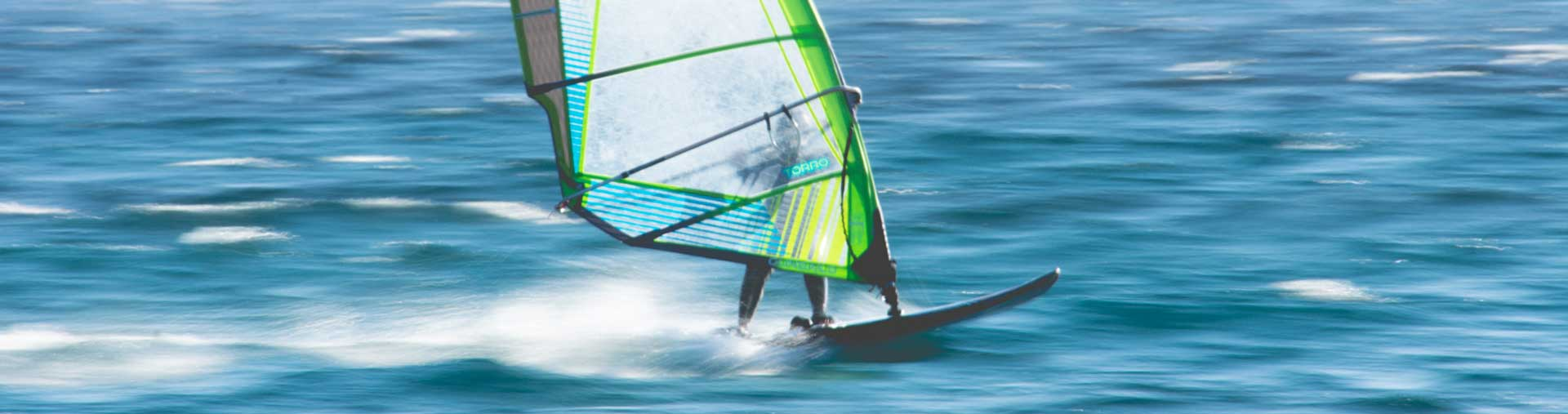 windsurfing-in-the-red-sea